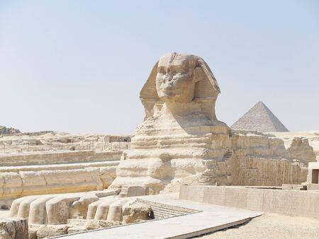 De Sphinx en de Grote Piramide van Gizeh in Egypte