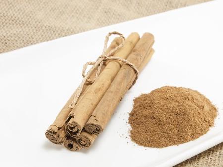 Cinnamon Sticks and cinnamon in powder
