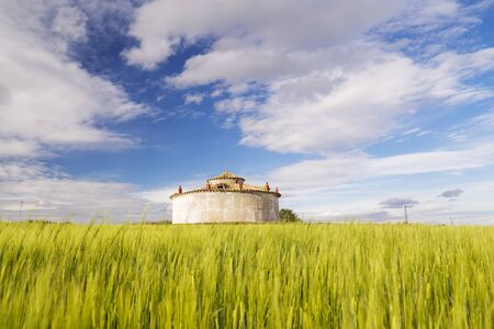 castile: Square dovecote in the middle of a cultivated field in Castile and Leon, Spain Stock Photo