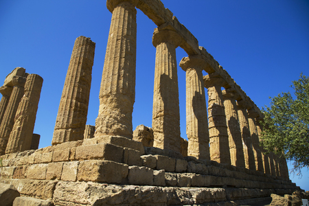 Valley of the Temples (Valle dei Templi) - The Temple of Concordia, an ancient Greek Temple built in the 5th century BC, Agrigento, Sicily Archivio Fotografico