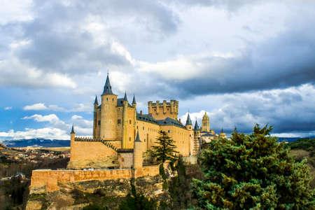 segovia: Looking to Segovia Editorial