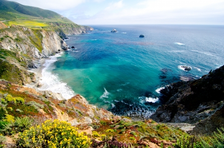 pacific ocean: California SR1 is one of the most beautiful coastlines in the world