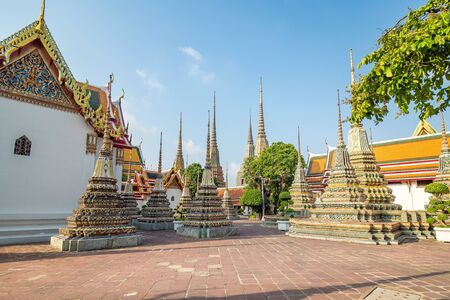 Wat Pho, the temple of the the Reclining Buddha in Bangkok, Thailand. Foto de archivo