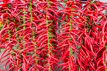 Red hot chili at a market stall Standard-Bild