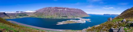 Panorama of Isafjordur at sumer, Isafjordur Iceland 免版税图像 - 91785803