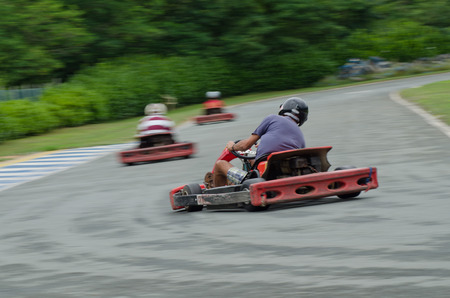 panning: Pilot runs on go kart: photographed with panning technique