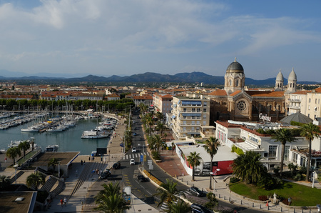 sainte maxime on the azure coast: sea, tourism, city and the Ferris wheel Banco de Imagens