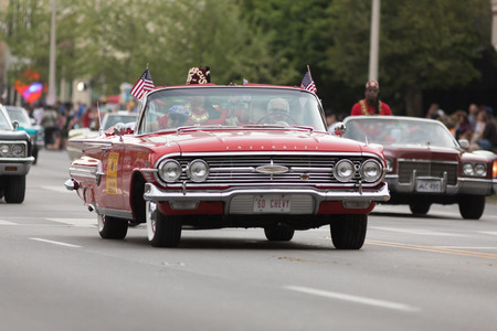 Louisville, Kentucky, USA - May 03, 2018: The Pegasus Parade, A chevrolet impala classic car, going down W Broadway during the Parade 写真素材 - 117055623