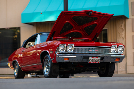 Springfield, Illinois, USA - September 22, 2018: The Route 66 Mother Road Festival, Chevrolet Chevelle on the streets of downtown Springfield 写真素材 - 117154619
