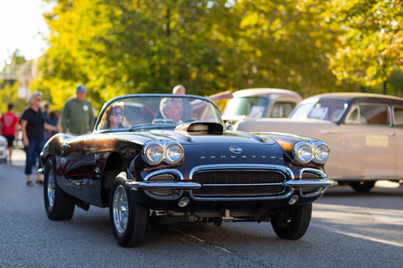 Springfield, Illinois, USA - September 22, 2018: The Route 66 Mother Road Festival, Chevrolet Corvette being driven on the streets of downtown Springfield 報道画像