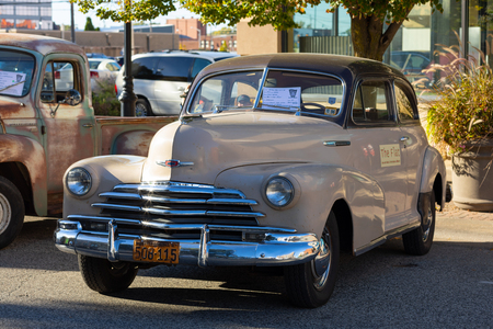 Springfield, Illinois, USA - September 22, 2018: The Route 66 Mother Road Festival, 1947 Chevrolet Fleet Master, on the streets of downtown Springfield 報道画像