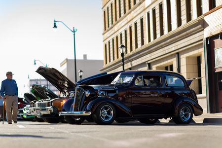 Springfield, Illinois, USA - September 22, 2018: The Route 66 Mother Road Festival, 1938 Chevrolet Master Deluxe on the streets of downtown Springfield 報道画像
