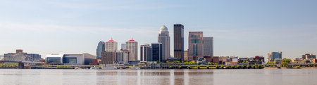 The City of Louisville, in the state of Kentucky, United States of America, as seen from the Indiana river bank of the Ohio River Stock Photo