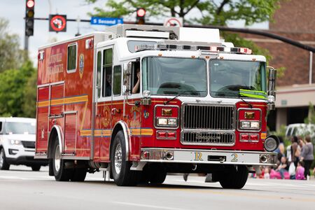 Louisville, Kentucky, USA - May 2, 2019: The Pegasus Parade, firetruck from the fire and recue from Louisville , driving down the road during the parade Banque d'images - 130291127