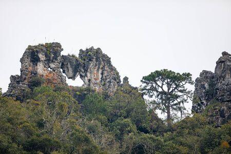 Mountain known as el Cerro de la Campana, in the road to el Cielo, Tamaulipas, Mexico Imagens