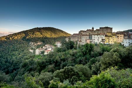 Sassetta est un petit hameau de la commune de Castagneto Carducci, célèbre pour ses châtaignes et ses sangliers, Livourne, Italie