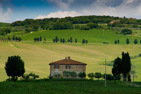 mtb: Val dOrcia, Siena, mountain bike excursion in the Tuscan hills - the road Mezzoquarto Checche