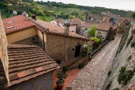 Montescudaio, Pisa, Toscane, Italië, karakteristieke hoeken getrokken uit het oude gehucht
