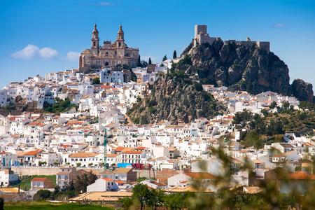 オルベラは、シエラ・デ・グラザレマ、カディス州、アンダルシア州、スペインの白い村(プエブロ・ブランコ)で、パロキア・デ・ヌエスト