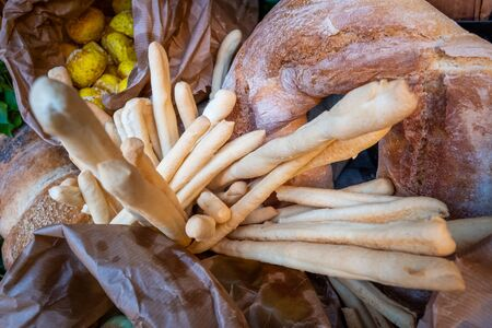 Processed various types of bread and breadsticks for aperitifs, compounds and preparations for tastings