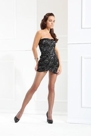 pantimedias: Mujer hermosa en medias finas y un estilo de moda