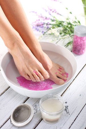 Cosmetic treatment pedicure