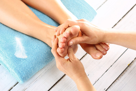 reflexologie: massage des pieds