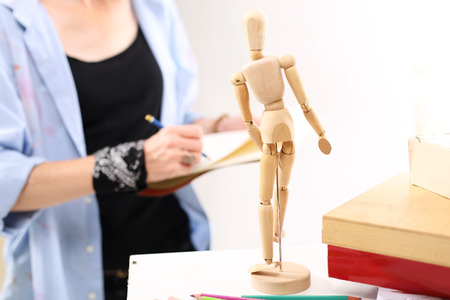 artists mannequin: The painter