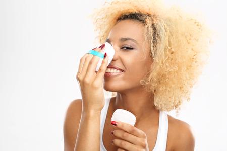face powder: Loose face powder.