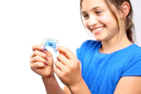 crooked teeth: Orthodontic appliance