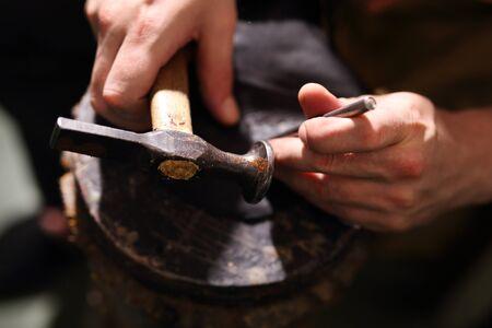 suede belt: Shoemaker