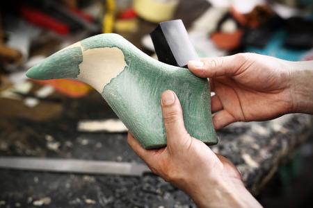 machine made: Shoemakers workshop, append heels