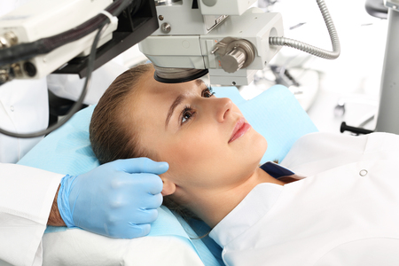 ojo humano: Corrección de la visión.