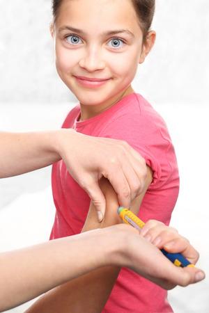 selfcontrol: Diabetes in children, child take insulin