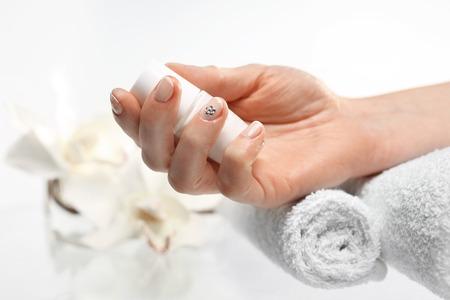 salon de belleza: Hands woman during a manicure salon Foto de archivo
