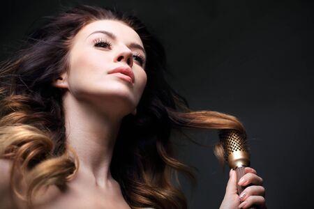 modeling: Modeling hair brush.