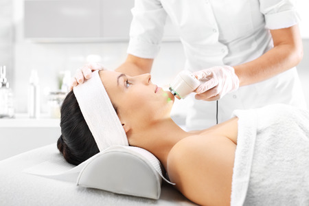 forcing: Ultrasound infrared light cosmetic treatment for the face
