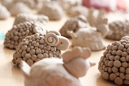 pasen schaap: Ceramic glazing.Workshop of artistic ceramics.