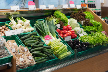 Regensburg, Germany - 2021 02 05: Different fresh organic vegetables on display in organic super market 新聞圖片