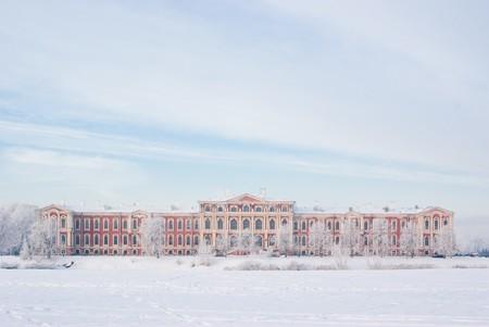 bartolomeo rastrelli: Snowy Jelgava palace, designed by architect Bartolomeo Francesco Rastrelli