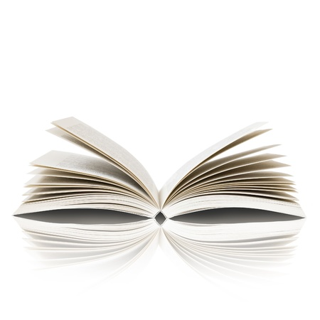 bible ouverte: Ouvrir le livre isol� sur fond blanc Banque d'images