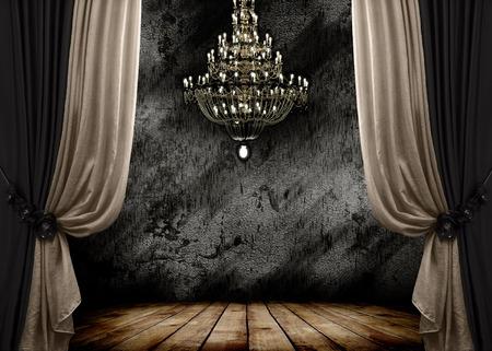 cortinas: Imagen de grunge cuarto oscuro interior con piso de madera y lámpara de araña de fondo