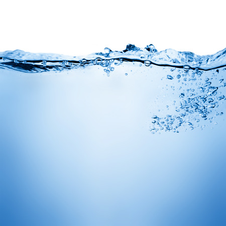 agua: Burbujas de agua y aire de más de blanco