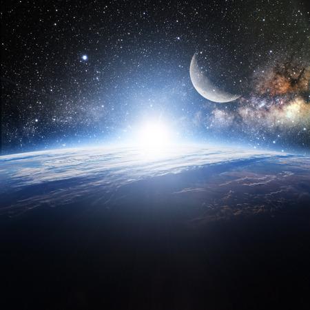sol y luna: Tierra. Vista desde el espacio.