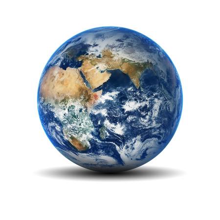 globo terraqueo: Globo de la tierra aislado en fondo blanco. Los elementos de esta imagen proporcionada por la NASA