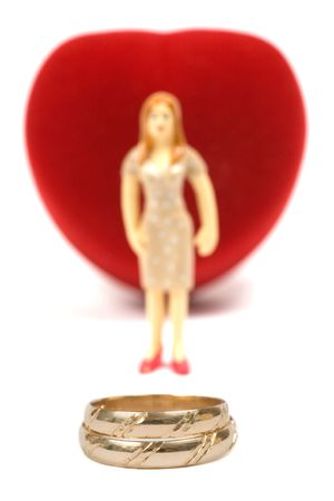 Box as heart with wedding rings