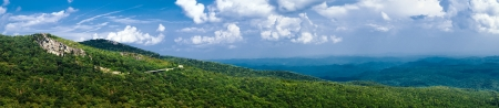 Panorama der Strecke von Blue Ridge Parkway in der Nähe von Asheville in Western North Carolina. Standard-Bild