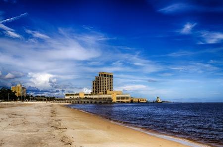 ビロクシー、ミシシッピ州、カジノ、メキシコ湾岸の海岸沿いの建物 写真素材