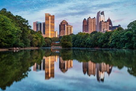 Skyline van de binnenstad van Atlanta, Georgia van Piedmont Park