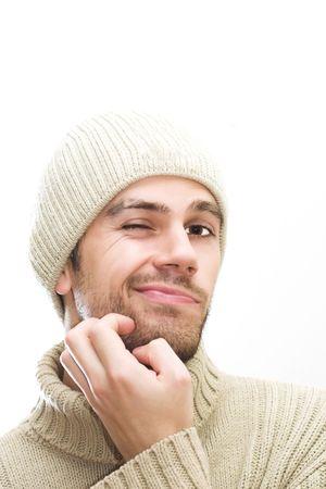 desconfianza: Hombre con sombrero givving una mirada desconfianza. Espacio para el texto